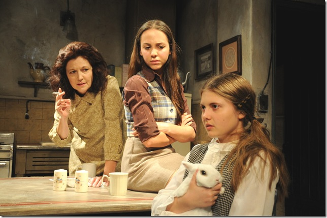 From left: Laura Turnbull, Skye Coyne and Arielle Hoffman in The Effect of Gamma Rays on Man-in-the-Moon Marigolds, at Palm Beach Dramaworks. (Photo by Alicia Donelan)