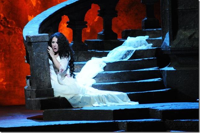 Maria Alejandres as Lucia.