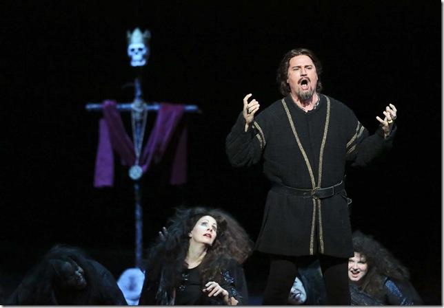 Michael Chioldi as Macbeth at Palm Beach Opera.