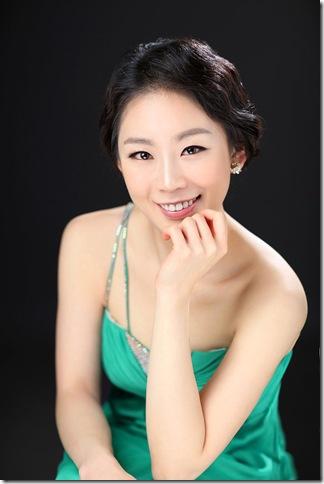 Yoonie Han.