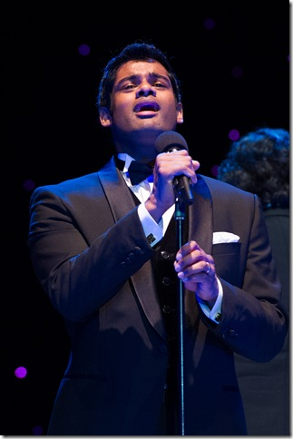 Sean Panikkar sings Saturday night at Mizner Park. (Sherry Ferrante Photography)