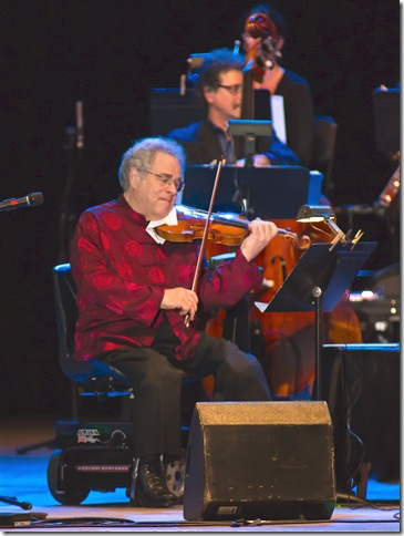 Violinist Itzhak Perlman performs at Festival of the Arts Boca. (Robert Stolpe Photography)