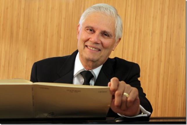 Agustín Anievas.