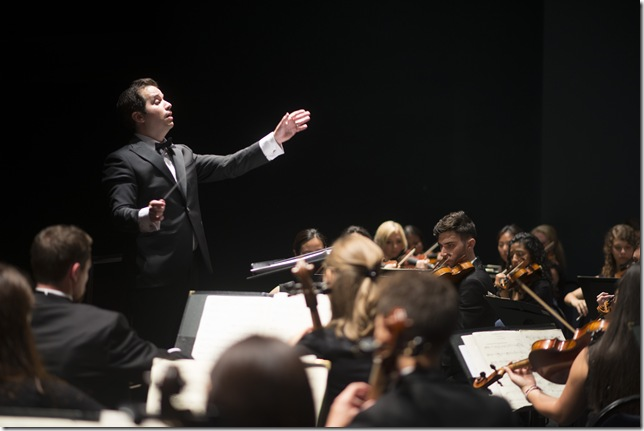 Michael Rossi conducts the Miami Summer Music Festival Orchestra. (Photo by Margarita Rentis)