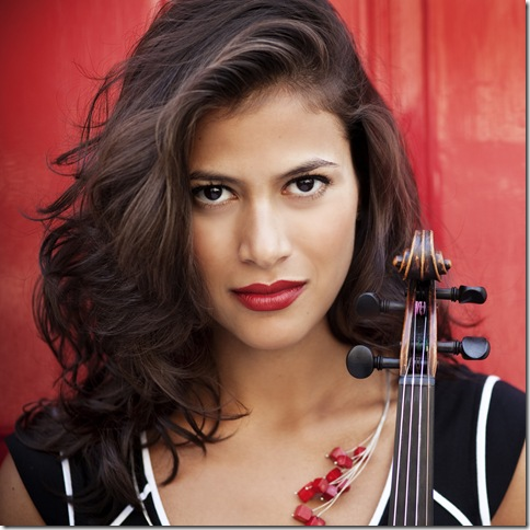 Violinist Elena Urioste plays with the South Florida Symphony on Feb. 28 in Boca Raton. (Photo by Alessandra Tinazzi)