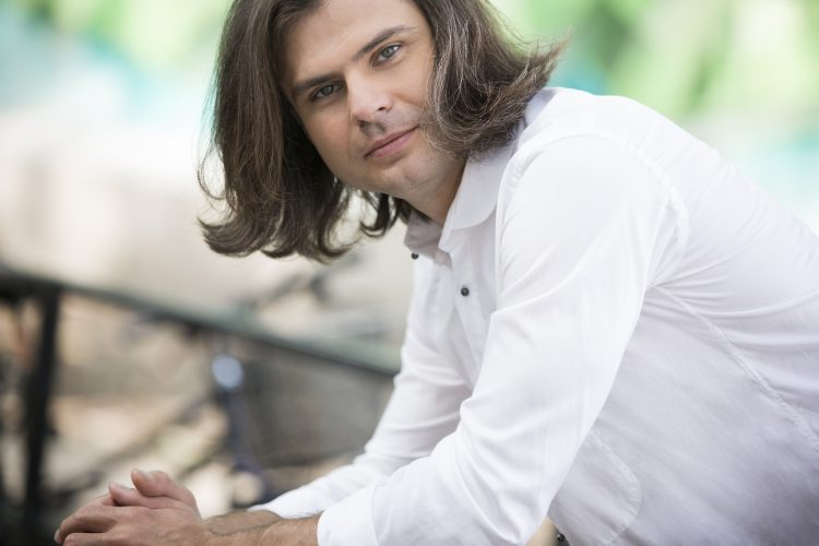 Eloquent Debussy stands out in pianist Salov's recital