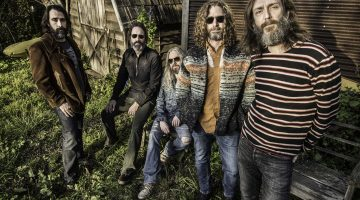 Chris Robinson: The Black Crowe flies with a different flock