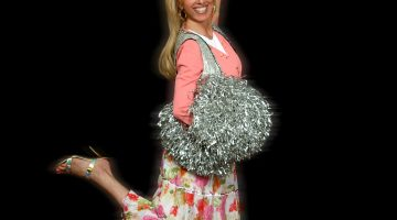 'Kosher Cheerleader' a tender look at one woman's life and faith