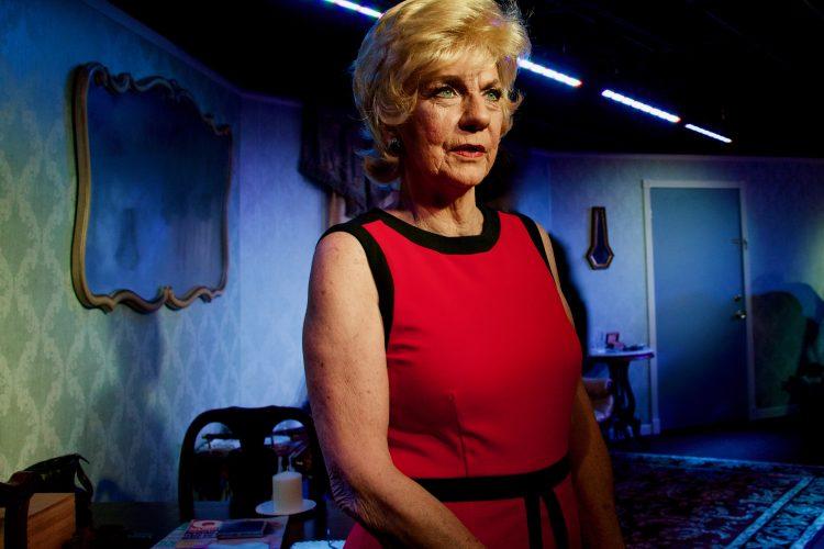 One-woman 'Blonde Poison' explores Holocaust ambiguity
