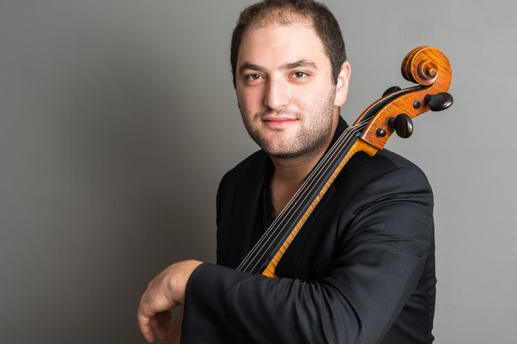 Cellist Schwarz impressive in Shostakovich with ACO
