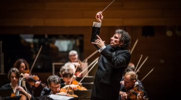 Soloist, conductor inconsistent in Polish orchestra's Kravis visit