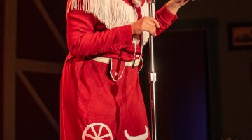 LW Playhouse's 'Patsy Cline' a memorable, tuneful two-hander